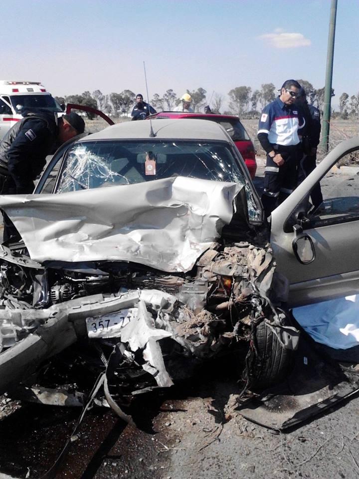 Choque en Zumpango deja 2 muertos y un lesionado