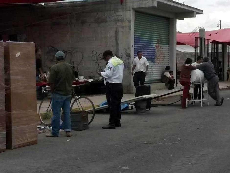 Objetos robados de casas son vendidos en tianguis de Zumpango