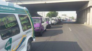 Bloqueo en la entrada del Circuito Exterior Mexiquense por Transportistas