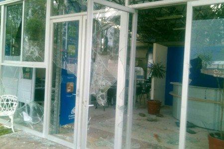 Vecinos arremeten contra inmobiliaria en Zumpango; exigen luz y agua