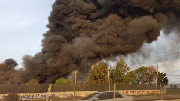 Se incendia fábrica de zapatos en Huehuetoca