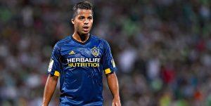 Dos clubes españoles buscan a Gio dos Santos