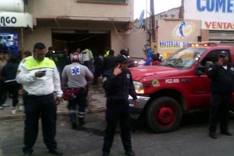 Tardan tres horas en liberar brazo de mujer en tortillería