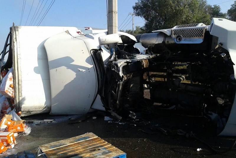 Volcadura deja un muerto y un herido en Zumpango